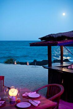 Ibiza restaurant La Escollera, on the beach at Es Cavallet