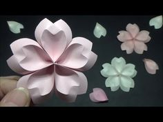 (画用紙)春の飾り かわいい桜の花の作り方【DIY】(Drawing paper)Spring decoration Cute cherry b. Origami And Kirigami, Origami Paper Art, Quilling Paper Craft, Diy Origami, Paper Crafts, Handmade Flowers, Diy Flowers, Pinterest Christmas Decor, Cherry Blossom Origami