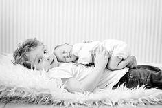 NEWBORN BABY PHOTOGRAPHY natural newborn photography boy ideas at home with siblings poses simple lifestyle family children Sibling Photo Shoots, Lifestyle Newborn Photography, Newborn Baby Photography, Family Photography, Sibling Pics, Toddler Photography, Newborn Family Pictures, Baby Boy Photos, Newborn Photos