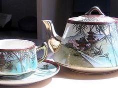 beautiful vintage Japanese tea set @ teachat.com