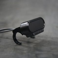 This sleek mounting bracket is a terrific way to mount the Motoscope Mini when paired with the Combi indicator lights.
