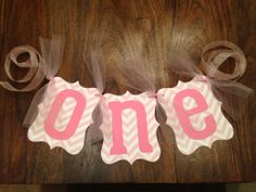 1st Birthday highchair sign - use something like this for photos too...