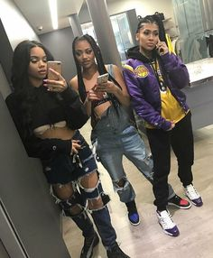 3 Gifted Tips AND Tricks: Women's Urban Fashion Shoes Outlet urban fashion photoshoot shops.Urban Fashion Grunge Outfit urban wear for men jeans. Bff Goals, Best Friend Goals, Squad Goals, Urban Apparel, Dope Outfits, Urban Outfits, 90s Themed Outfits, Shotting Photo, Best Friend Outfits