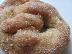 Delicious Soft Pretzels Amish Recipe from Foods  http://recipesjust4u.com/delicious-soft-pretzels-amish-recipe/