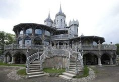 They say a man's home is his castle, but Connecticut homeowner Christopher W Mark certainly takes that old adage literally. Mark built this 2000-square-metre Disney-esque castle in the town of Woodstock but the whole thing has a depressingly anti-Disney history. Even so, it boasts eight bedrooms, 8.5 bathrooms and its own man-made island..
