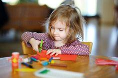 Feinmotorik fördern bei Kindern mit Spielen & Übungen zum Selberbasteln