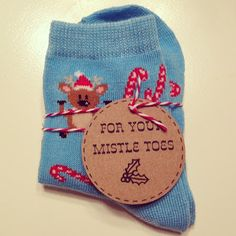 Cute sock gift and for your mistletoes *FREE PRINTABLE*