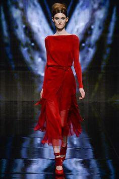 Stunning red at Donna Karan   Fall 2014