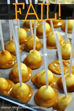 Mini Caramel Apples Recipe- Bite Sized that are perfect for a fall dessert. Fruit Recipes, Apple Recipes, Fall Recipes, Holiday Recipes, Snack Recipes, Dessert Recipes, Cooking Recipes, Snacks, Apple Desserts