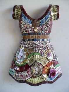 Susan Wechsler - /hausmanager/mosaics-glass-and-such/  over 3,000 BACK   -  Love design bottom dress