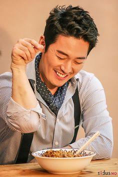 Work of love Asian Actors, Korean Actors, Smart Haircut, Asian Men Long Hair, Deep Rooted Tree, Busan, Korean Drama Stars, Fated To Love You, Park Seo Jun