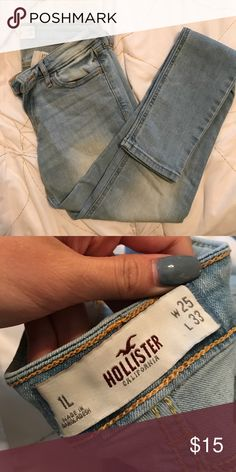 Light wash Hollister Jeans In great condition. Only worn a few times. No rips or stains. Light wash size 1L Hollister Pants Skinny
