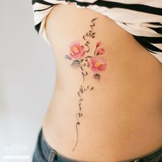 동백꽃과 한글 캘리그라피 타투 by 타투이스트 리버. camellia tattoo by tattooist River