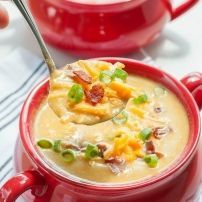 Slow Cooker Sweet Potato and Cauliflower Soup Creamy cauliflower soup like you've never had it before! This Slow Cooker Sweet Potato and Cauliflower Soup recipe is positively delicious and so easy to make! Ww Recipes, Slow Cooker Recipes, Crockpot Recipes, Cooking Recipes, Crockpot Dishes, Family Recipes, Cooking Tips, Recipies, Creamy Cauliflower Soup