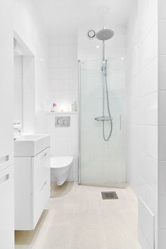 50 Stunning Small Bathroom Makeover Ideas 39 In 2019 Bathroom Design Small, Bathroom Interior Design, Modern Bathroom, Bathroom Designs, Minimalist Bathroom, Beautiful Bathrooms, Very Small Bathroom, Wet Room Bathroom, Tiny Bathrooms