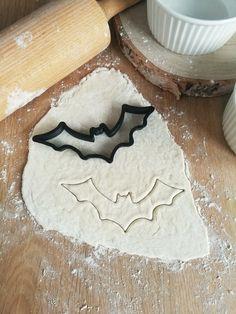 Bat Cookie Cutter  - Halloween Party - Vampire Bat - Batman Cookie Cutter - Halloween Cookies - Plaque Cookie Cutter - Halloween Treats Batman Cookie Cutter, Halloween Cookie Cutters, Halloween Cookies, Halloween Bats, Vampire Bat, Custom Items, Safe Food, Treats, Party