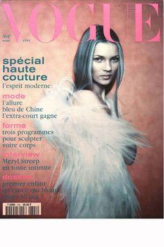 Vogue Paris mars 1994: http://www.vogue.fr/mode/cover-girls/diaporama/kate-moss-en-18-couvertures-de-vogue-paris/4608/image/454817#mars-1994