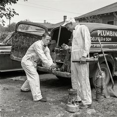 """May """"High school football player Paul Delfeld, of North Dallas, Texas, helping father at plumbing business. High School Football Player, Football Players, Vintage Photographs, Vintage Photos, Low Water Pressure, Water House, High School Classes, Working People, Late 20th Century"""