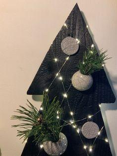 Tree Skirts, Creations, Christmas Tree, Holiday Decor, Home Decor, Teal Christmas Tree, Decoration Home, Room Decor, Xmas Trees