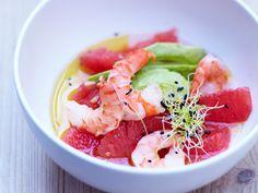 Recettes à base de pamplemousse : Découvrez la recette des avocats aux crevettes et pomelo