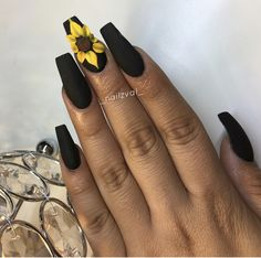 Image uploaded by ɴᴇɴᴇʏᴀ. Find images and videos about black, white and nails on We Heart It - the app to get lost in what you love. Black Acrylic Nails, Summer Acrylic Nails, Best Acrylic Nails, Black Nails, Matte Nail Art, Aycrlic Nails, Swag Nails, Hair And Nails, Grunge Nails