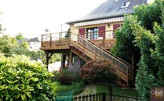 Corrèze 19 Egletons terrasse en bois et son escalier