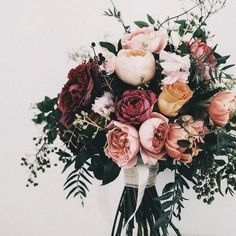 20 Stunning Fall Wedding Flowers and Bouquets for 2020 Brides EmmaLovesWeddings dusty pinks romantic fall wedding ceremony flowers Wedding Ceremony Flowers, Fall Wedding Bouquets, Wedding Flower Arrangements, Bride Bouquets, Floral Wedding, Trendy Wedding, Centerpiece Flowers, Burgundy Wedding, Centerpiece Ideas