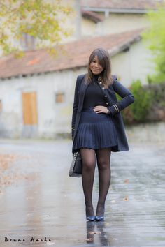 Cute Dress Outfits, Cute Dresses, Girls Dresses, Body Negro, Periwinkle Dress, Pantyhose Outfits, Girls In Mini Skirts, Black Tights, Sexy Legs
