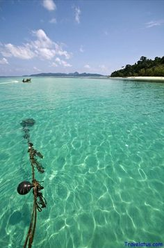 Bamboo Island (Thailand) Photo by Leandro Discaciate