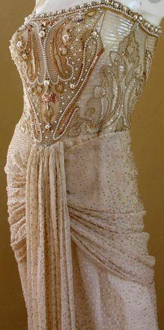 Givenchy - Robe de Soirée - Soie, Plumetis, Fil Doré, Perles et Sequins…