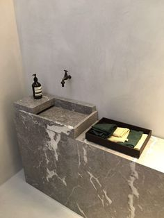 Natural stone wash basin - execution by Van Den Weghe