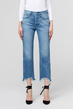 0a5d9a1f3b576 The W4 Shelter Austin Crop is a super high rise jean with a straight leg.