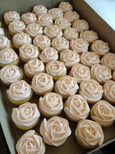 Luscious German Chocolate Cupcakes Pure Indulgence This is an incredibly easy yet delicious cupcake recipe to make. Wedding Cakes With Cupcakes, Cupcake Cakes, Cupcakes Fall, Rosette Cupcakes, Flower Cupcakes, Cupcakes For Bridal Shower, Wedding Cup Cakes, Bride Cupcakes, Cupcake Tower Wedding