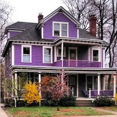 A House in Every Color of the Rainbow 10 happy-hued homes, spotted around the country on Instagram, just makes me smile.