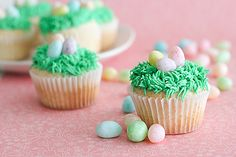Easter+Ideas | Who is ready for some Easter cupcake inspiration? Head over to my post ...