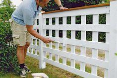 Min granne och jag vill ha ett staket som är snyggt på båda sidor, och inte bara den ena. Har ni något tips om vilket staket vi kan bygga?