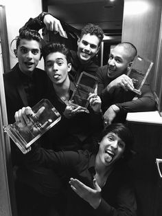 CNCO Imagines and Preferences - Preference (Your best friend) - Wattpad Twenty One Pilots, Your Best Friend, Best Friends, Memes Cnco, Cnco Richard, Am I In Love, Five Guys, Funny Me, Real Man