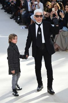 Karl Lagerfeld launches his own large collection of tools and supplies for sketching - Vogue Nederland