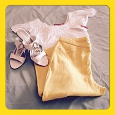 LEGGINS CAPRIS  These are perfect for summer. Sun yellow stretch leggins calf length. Picture is really light but the color is the same is the frame around the pics. Size M by Simply Vera.  Simply Vera Vera Wang Pants Capris