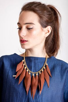 Cognac brown gold edition: made of leather spikes with galvanized brass and metal components. Punk Subculture, Kids Necklace, Edgy Look, Wild Child, Spikes, Necklace Designs, Everyday Outfits, Statement Jewelry, Handmade Necklaces