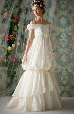 lovely., Bohemian wedding, <3...not that I will ever marry again, but I adore this dress!
