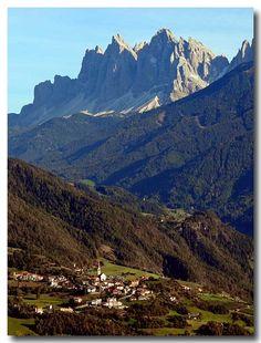Bolzano Daily Photo: Teis and the Odles