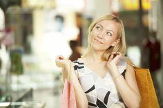 Saiba como descobrir se você realmente precisa de uma roupa nova e aprenda a consumir de forma consciente e responsável com dicas práticas