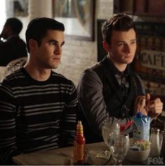 """Glee"" season 6 spoilers and news reveal that a wedding might be coming to McKinley High as Kurt and Blane find themselves in an awkward situation."