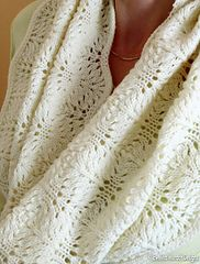 Free pattern. Feather Lace Cowl is pretty, light and easier to make than it looks - you only work the lace pattern on every 4th round, the remaining rounds are plain stockinette.