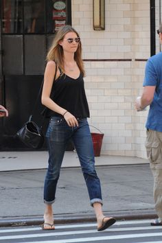 Tomboy Fashion, Girl Fashion, Fashion Outfits, Casual Street Style, Casual Chic, Skinny Inspiration, Style Inspiration, Chill Style, Behati Prinsloo