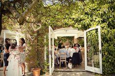 Marianne Taylor photography Northbrook Park, Reportage Photography, London Wedding, Bridesmaid Dresses, Wedding Dresses, Wedding Venues, Creative, Fine Art, Bridesmade Dresses