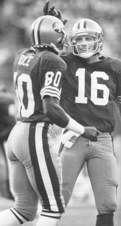 WR Jerry Rice, the best OE in Pro Football history. (here with QB of alltime, Joe Montana) American Football, Football Team, Football Helmets, Football Stuff, 49ers Players, Football Players, Forty Niners, Sf Niners, Joe Montana