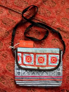 Hàng mới về, đang bán tại shop. Các bạn ghé shop để xem nhiều hàng hơn nhé :)   Địa chỉ: 10/1/5 Đặng Văn Ngữ Q.Phú Nhuận TP.HCM Thời gian mở cửa: 13h - 21h mỗi ngày Viber - Zalo: 0905 610 133 Instagram: @hichi.em Website: http://hichiem.com #hichiem #bohochic #bohomian #soul #gypsy #gypsysoul #madebysoul #hippie #style #fashion
