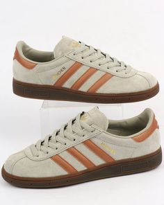 Munchens in a sesame and bronze colourway...